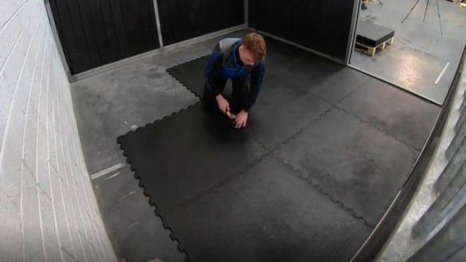 installation tapis équin